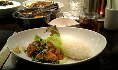 ランチは鮭のしぐれ煮 ホビットテーブルさん